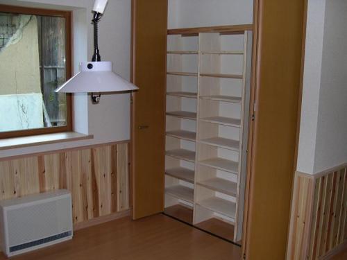 二階ホール部分にはちょっとしたカウンター。家族で使えるフリースペースにもなります。